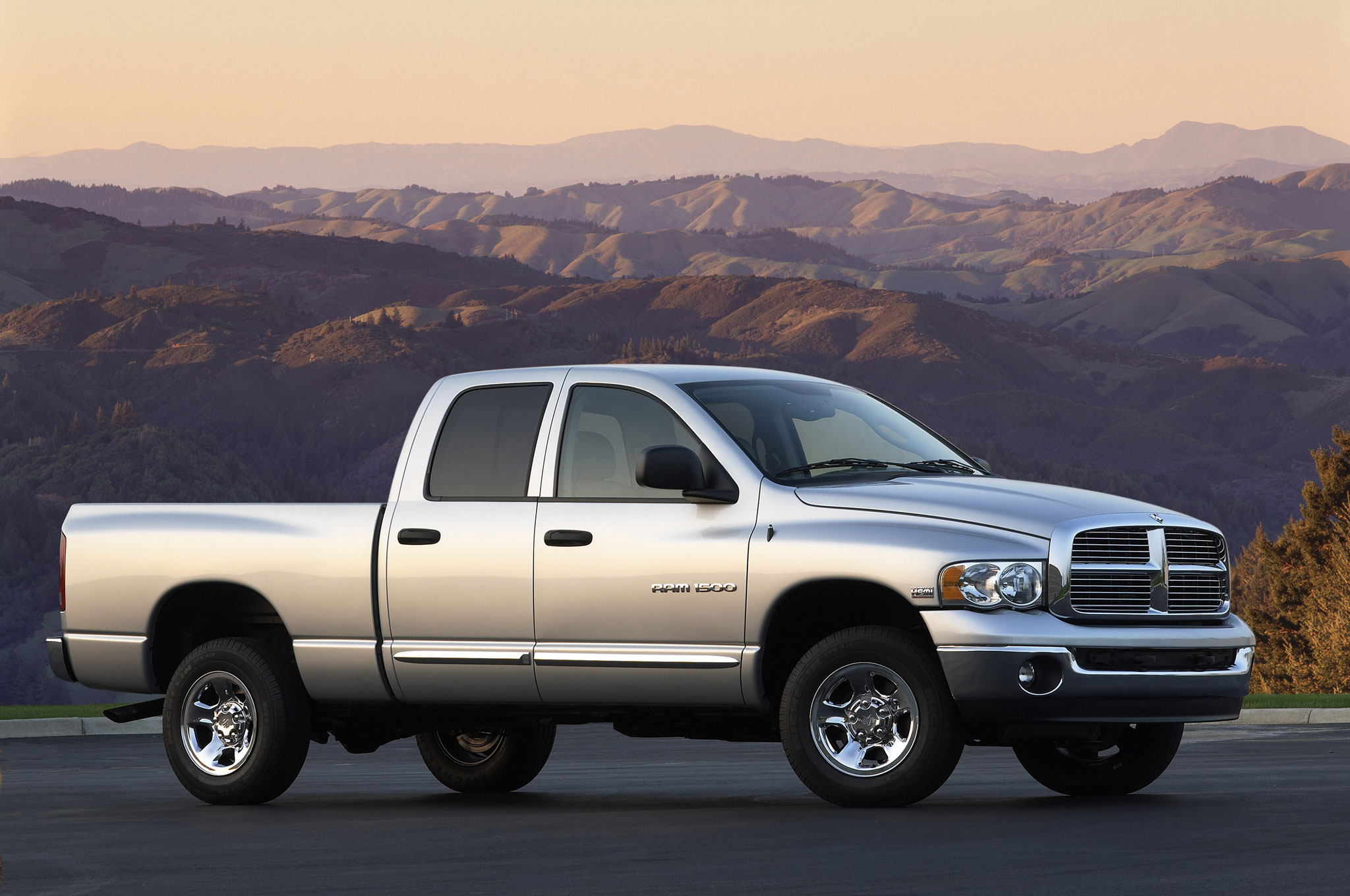 Slow 2008 Ram sales threaten Dodge dealers 09 model launch