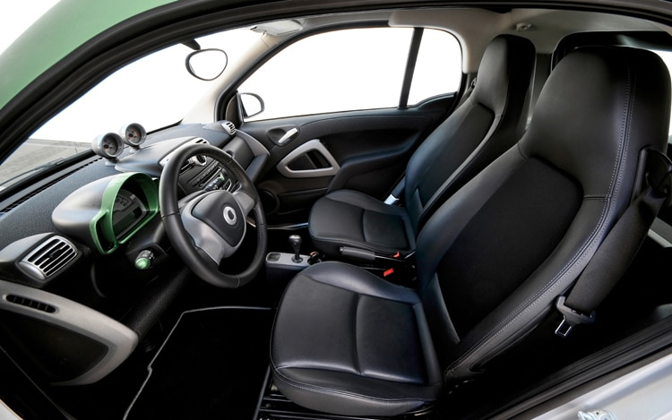 smart launches limited edition fortwo in europe plans new roadster and 4x4 models. Black Bedroom Furniture Sets. Home Design Ideas