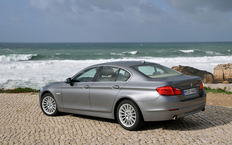 2011 bmw 535i xdrive editors 39 notebook automobile magazine. Black Bedroom Furniture Sets. Home Design Ideas