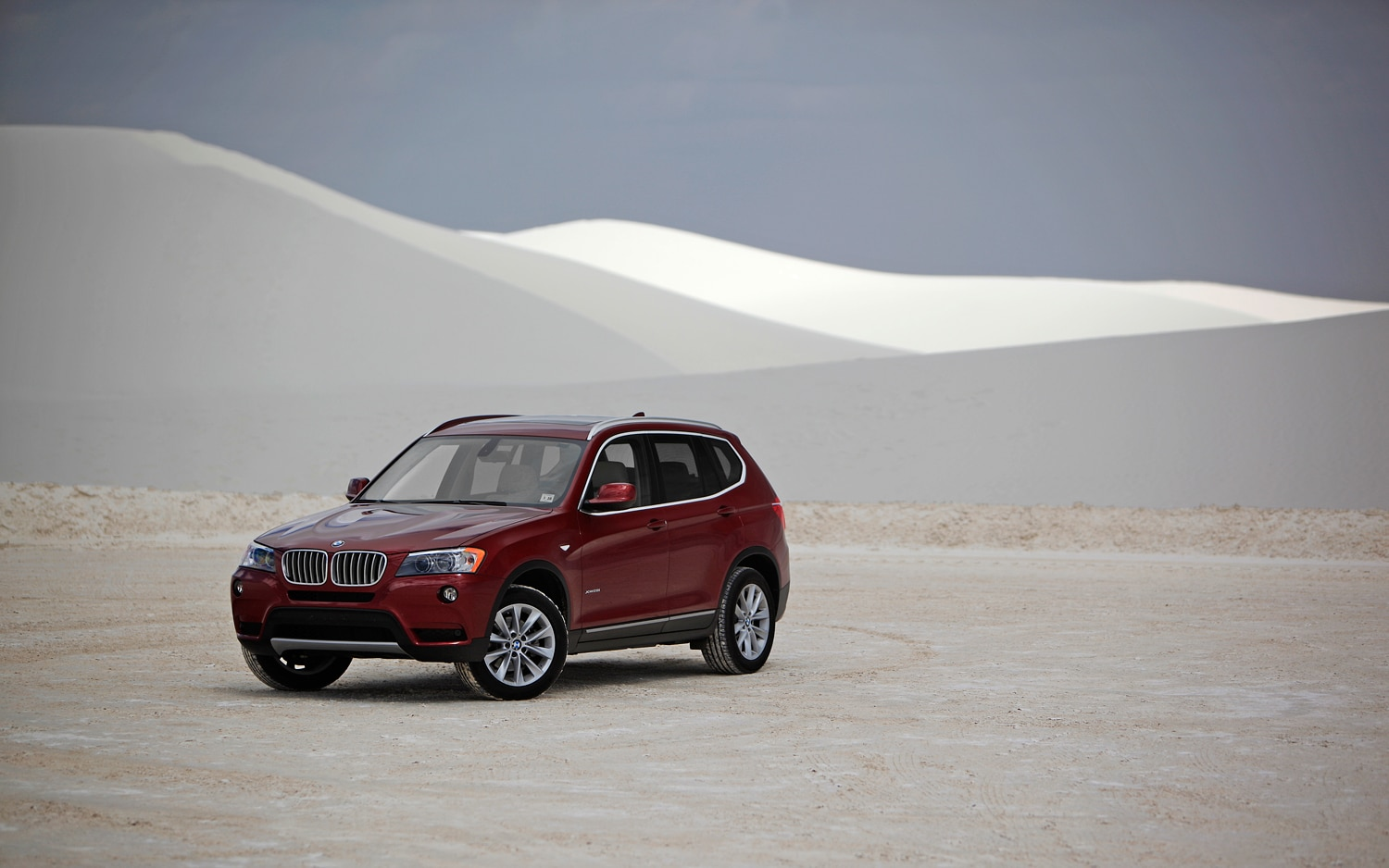 2011 bmw x3 xdrive35i automobile magazine. Black Bedroom Furniture Sets. Home Design Ideas