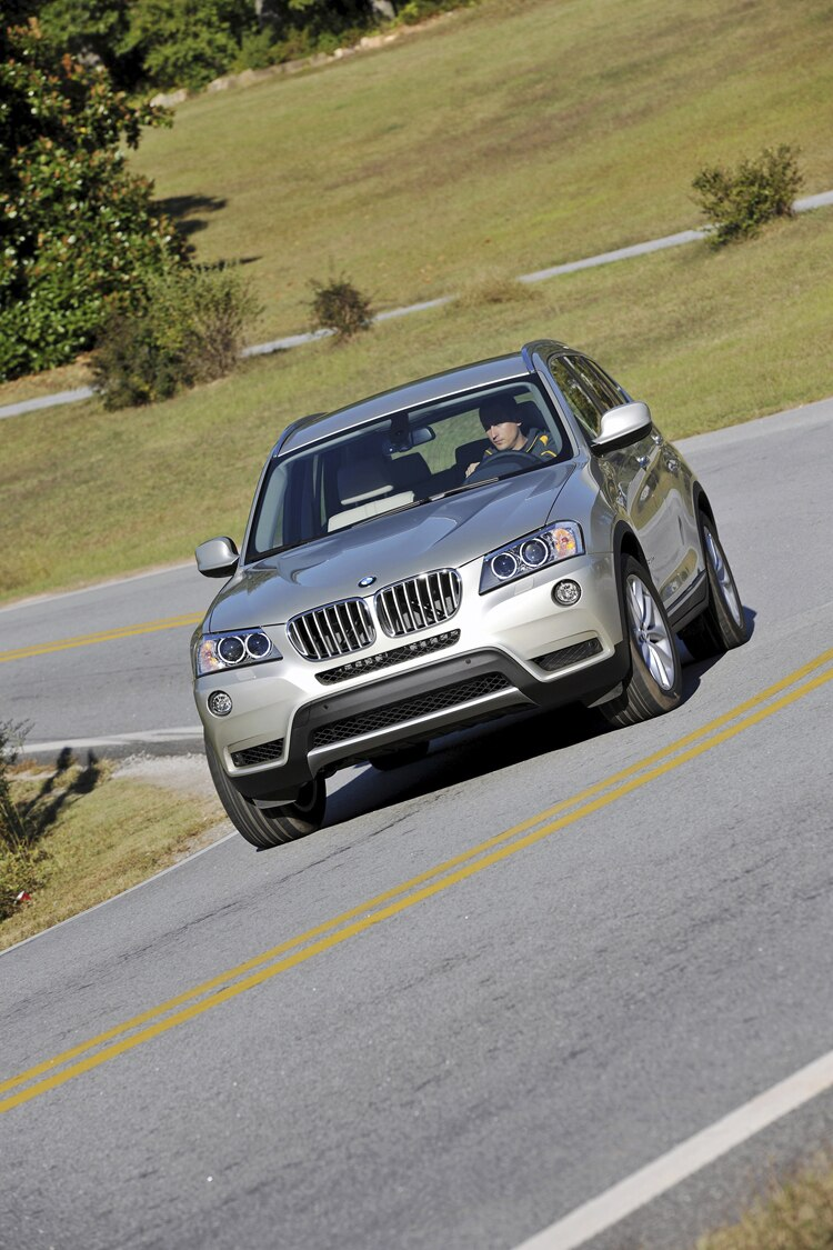 report 2011 bmw x3 gets larger lighter hybrid in the works. Black Bedroom Furniture Sets. Home Design Ideas