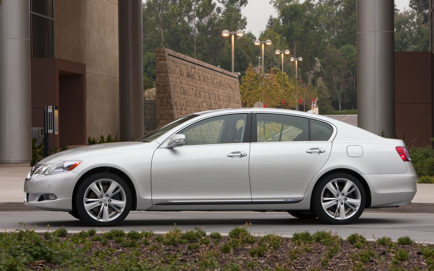 lexus gs chief spells out possible v 10 power for 2013 gs f. Black Bedroom Furniture Sets. Home Design Ideas