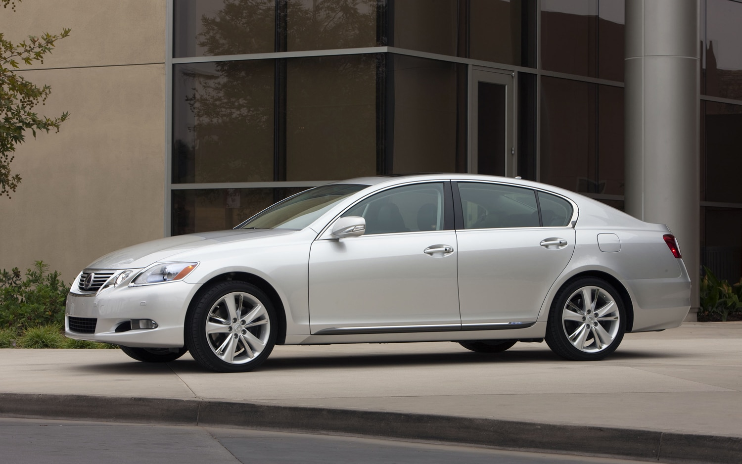 frankfurt 2011 lexus gs450h hybrid unveiled. Black Bedroom Furniture Sets. Home Design Ideas