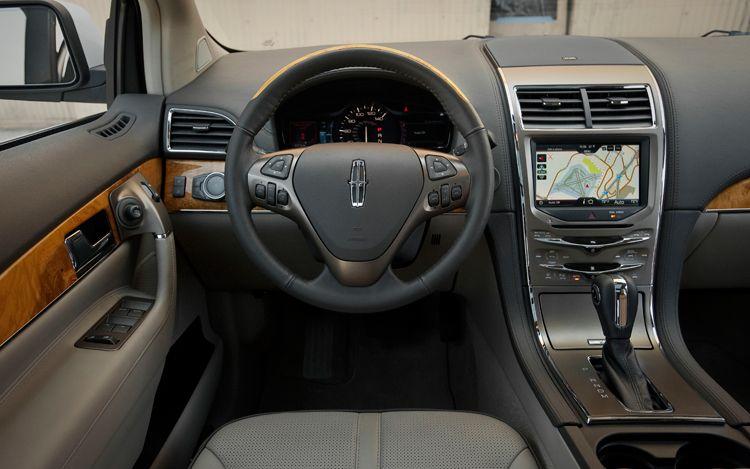 http://st.automobilemag.com/uploads/sites/10/2015/09/2011-Lincoln-MKX-interior1.jpg