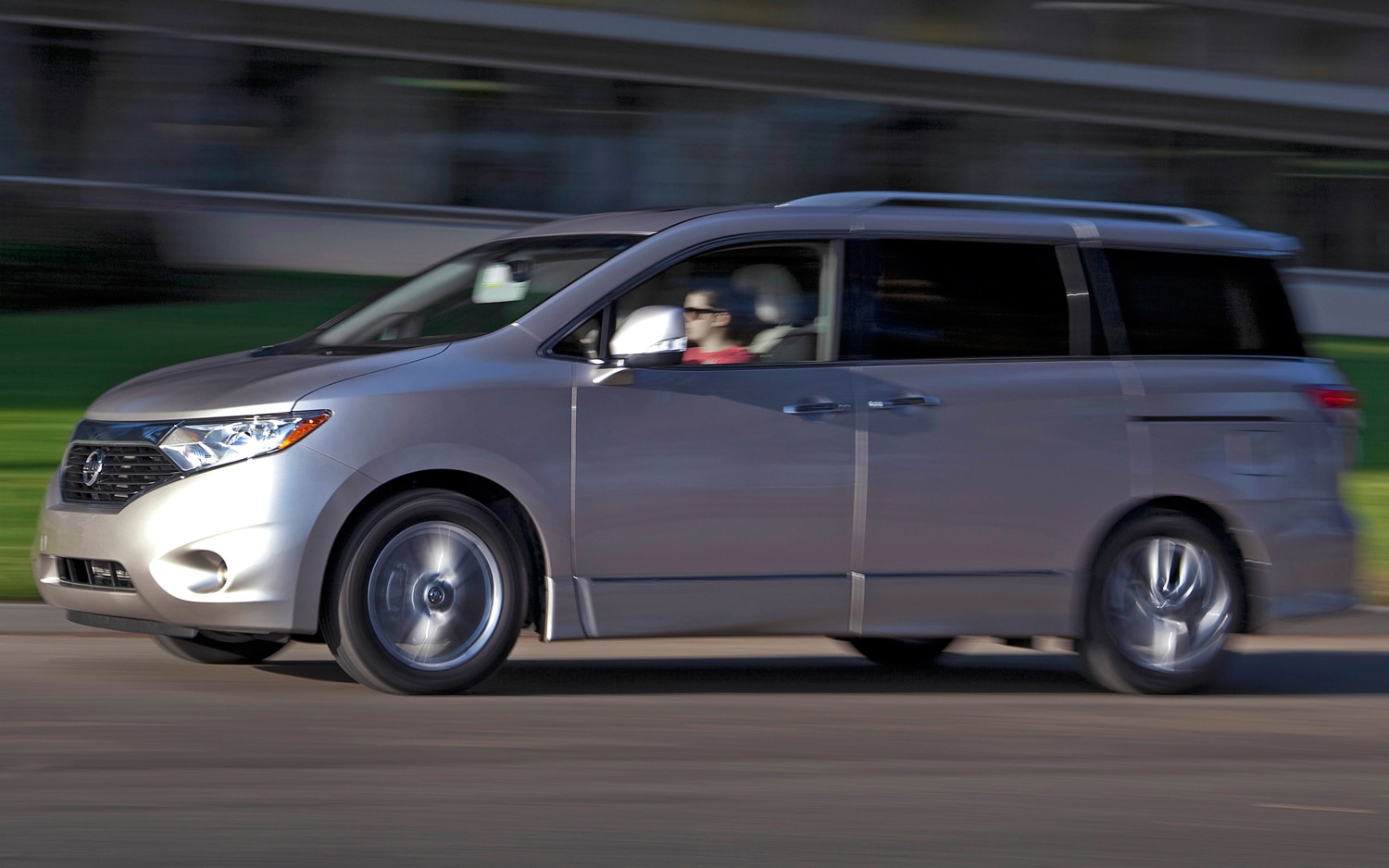 2011 nissan quest teased on eve of new york auto show 2011 nissan quest le vanachro Gallery