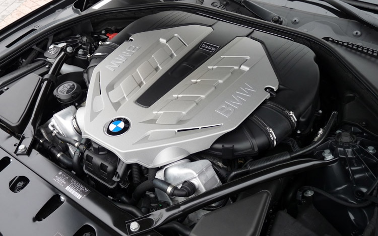 2012 BMW 528i Switches to More Powerful, More Efficient 2.0-liter ...