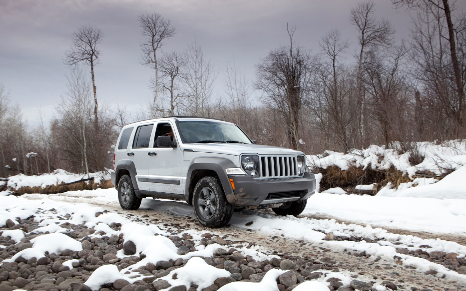 Jeep Liberty Mpg >> Chrysler CEO: Jeep Liberty, Dodge Nitro Replacements In ...