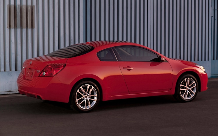 2011 nissan altima coupe 2 5 s automobile magazine. Black Bedroom Furniture Sets. Home Design Ideas