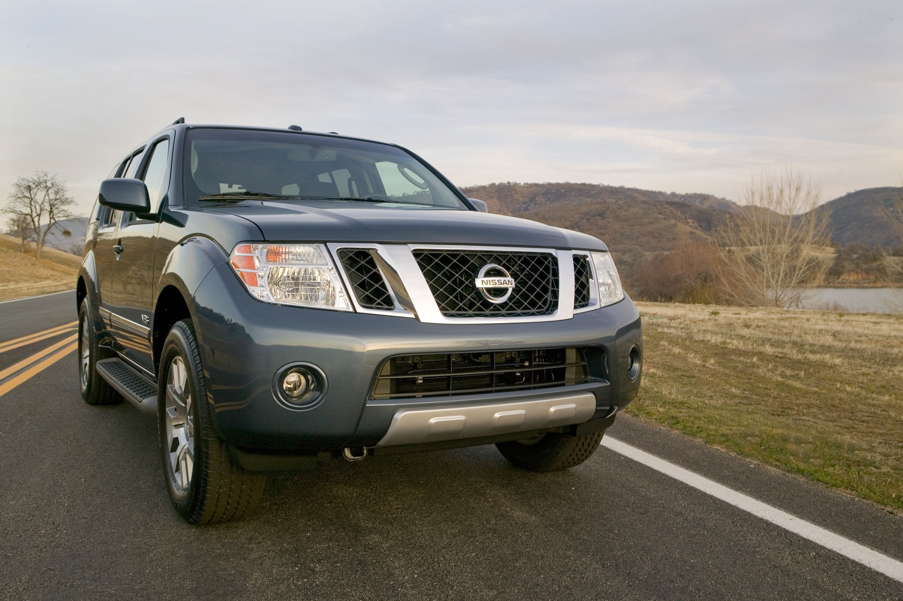nissan puts a price on the 2011 frontier pathfinder and xterra. Black Bedroom Furniture Sets. Home Design Ideas