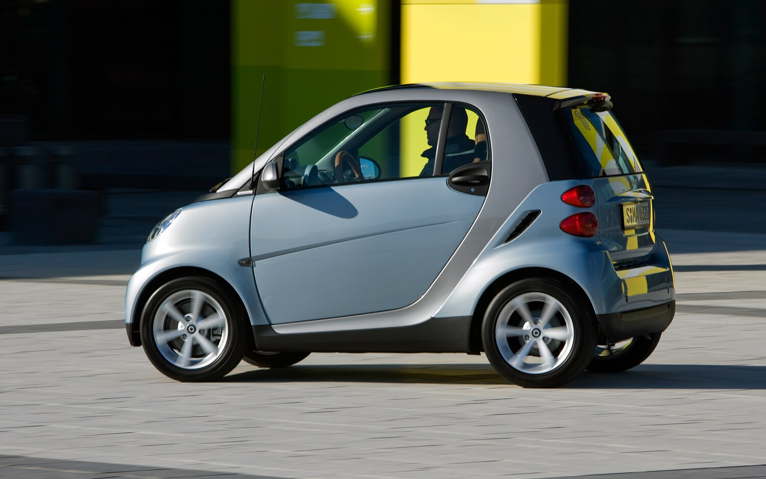 smart fortwo facelifted with new fascia interior. Black Bedroom Furniture Sets. Home Design Ideas