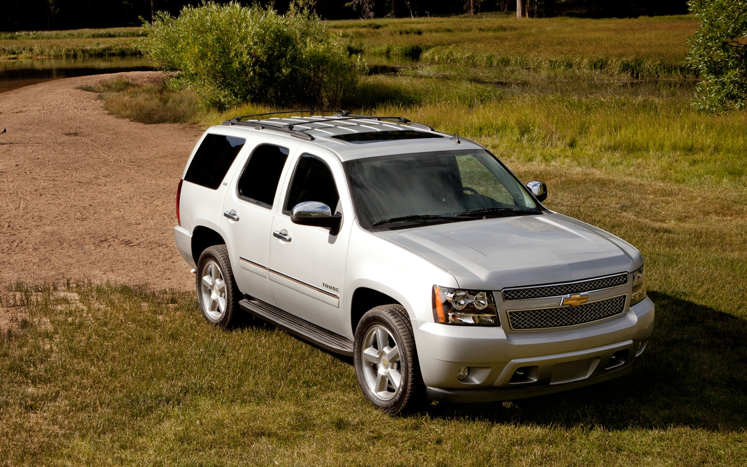 new silverado is nigh gm schedules retooling of full size truck plants. Black Bedroom Furniture Sets. Home Design Ideas