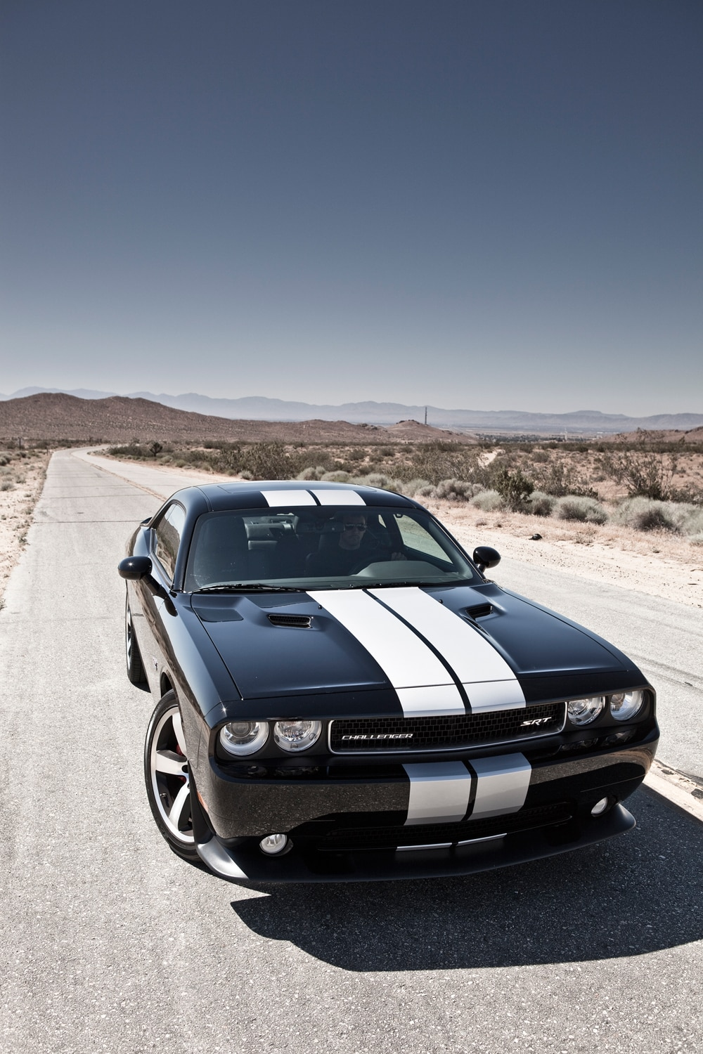 2012 dodge challenger srt8 392 editors 39 notebook automobile magazine. Black Bedroom Furniture Sets. Home Design Ideas