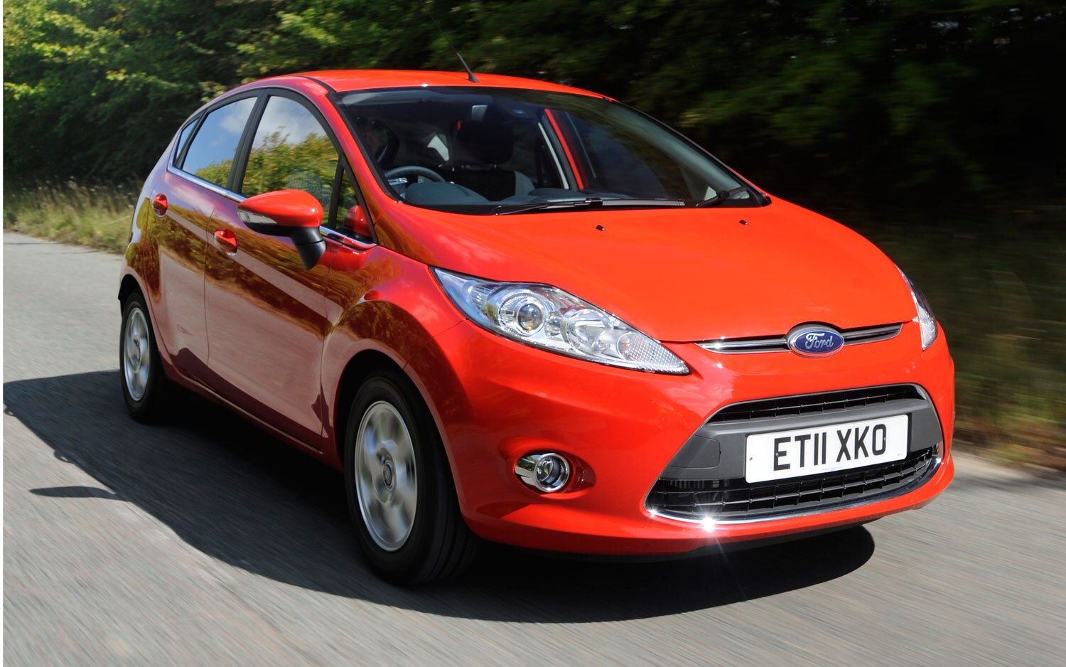 ford replaces fiesta sel and ses models with 2013 fiesta titanium. Black Bedroom Furniture Sets. Home Design Ideas