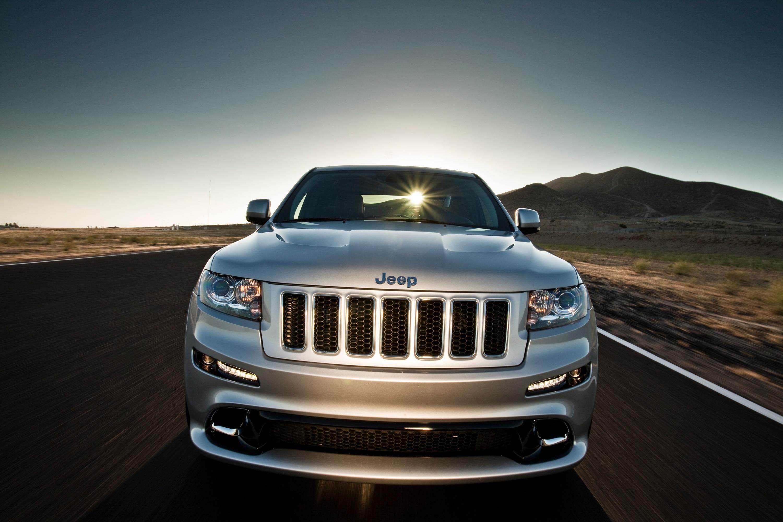 2012 jeep grand cherokee srt8 front