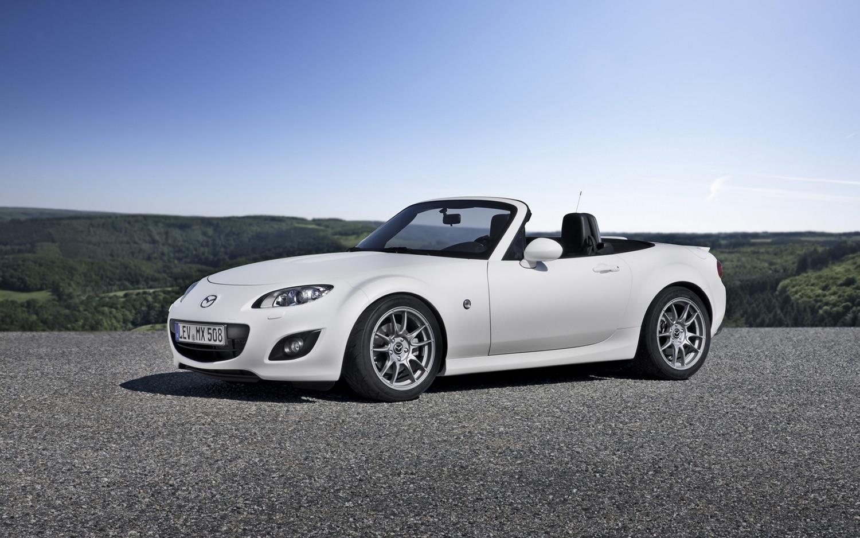 http://st.automobilemag.com/uploads/sites/10/2015/09/2012-Mazda-MX-5-Miata-Yusho-front-three-quarter-1.jpg