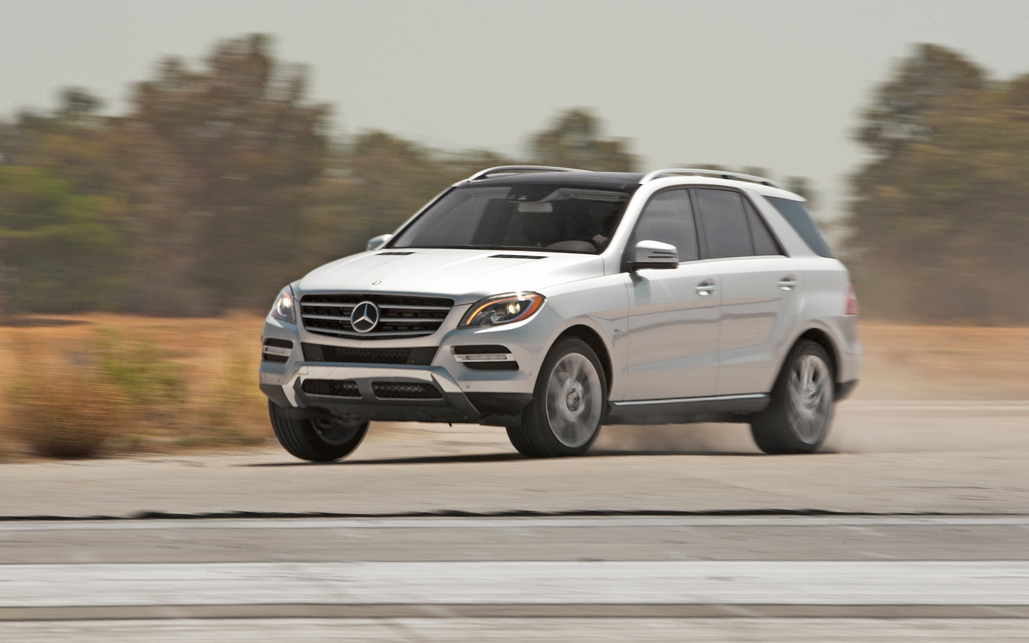 First look 2012 mercedes benz ml63 amg automobile magazine for Mercedes benz ml 350 2012