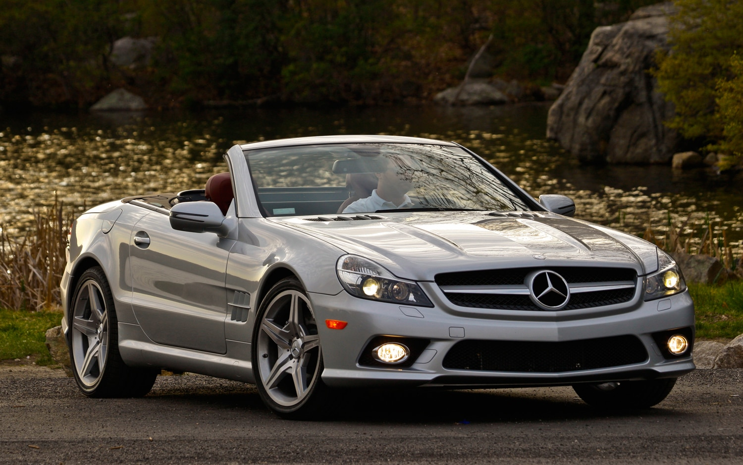 Image gallery 2012 mb sl 550 for Used mercedes benz sl550
