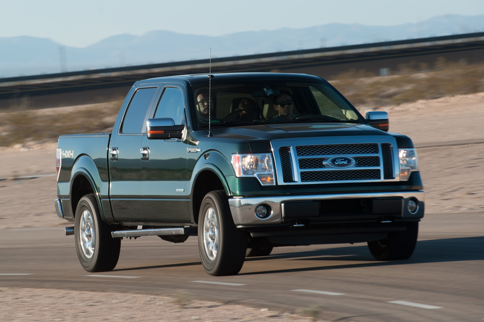 Alfa img showing gt leer canopy glass - 2012 Ford F 150