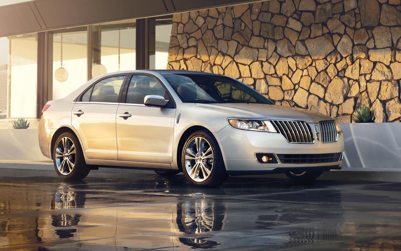 http://st.automobilemag.com/uploads/sites/10/2015/09/2012-lincoln-MKZ-front.jpg