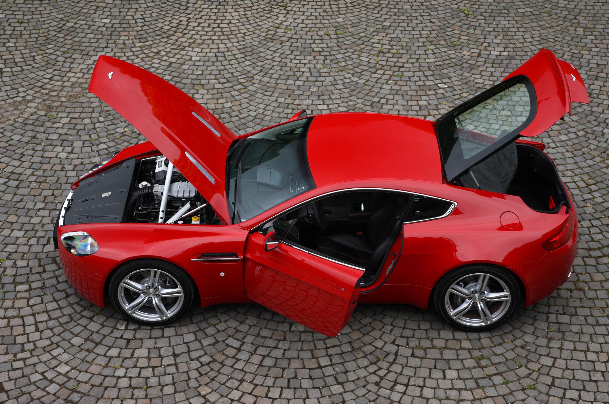 2008 aston martin v8 vantage roadster - top convertible feature