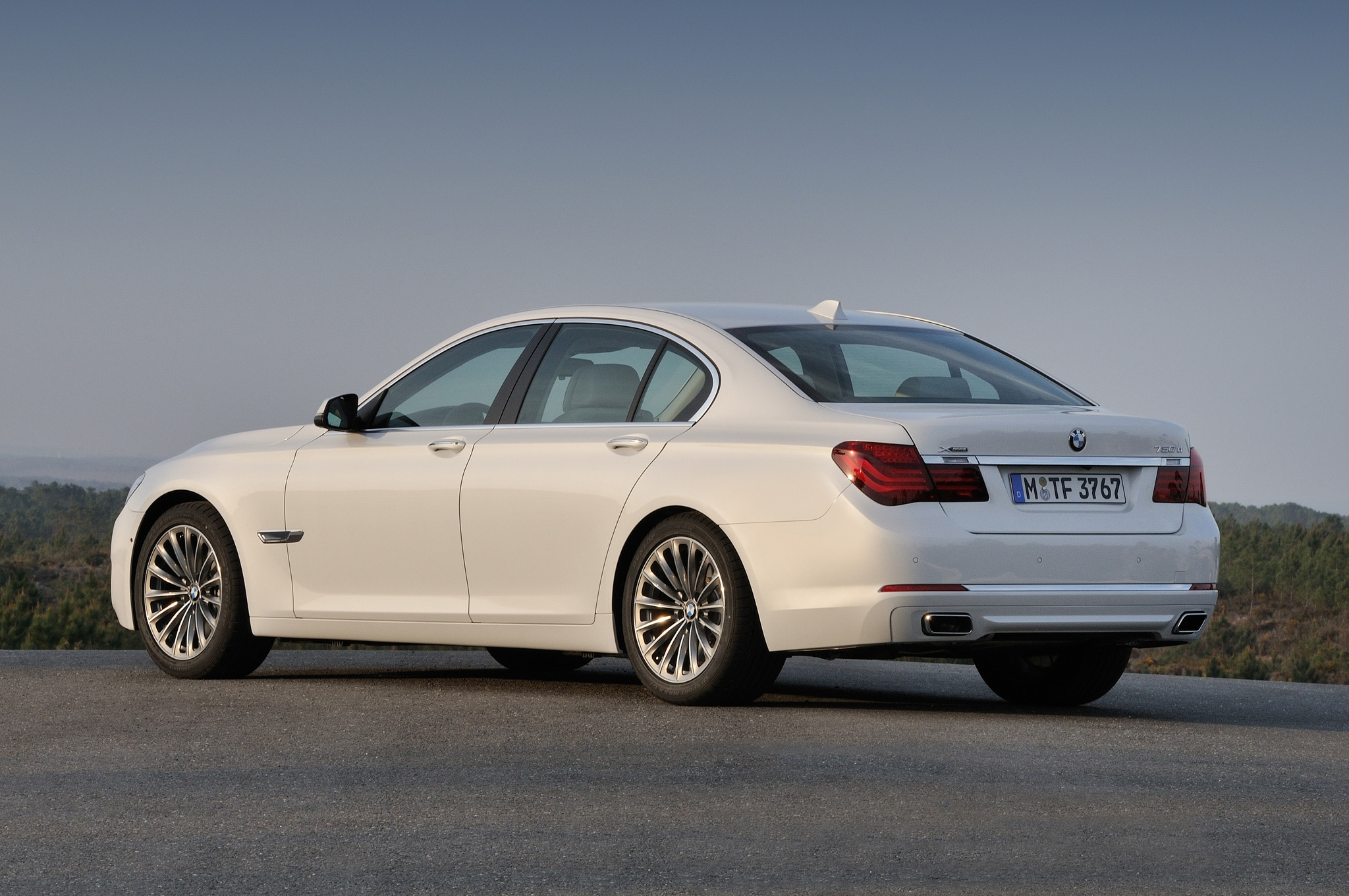In motion: 2013 BMW 7 Series