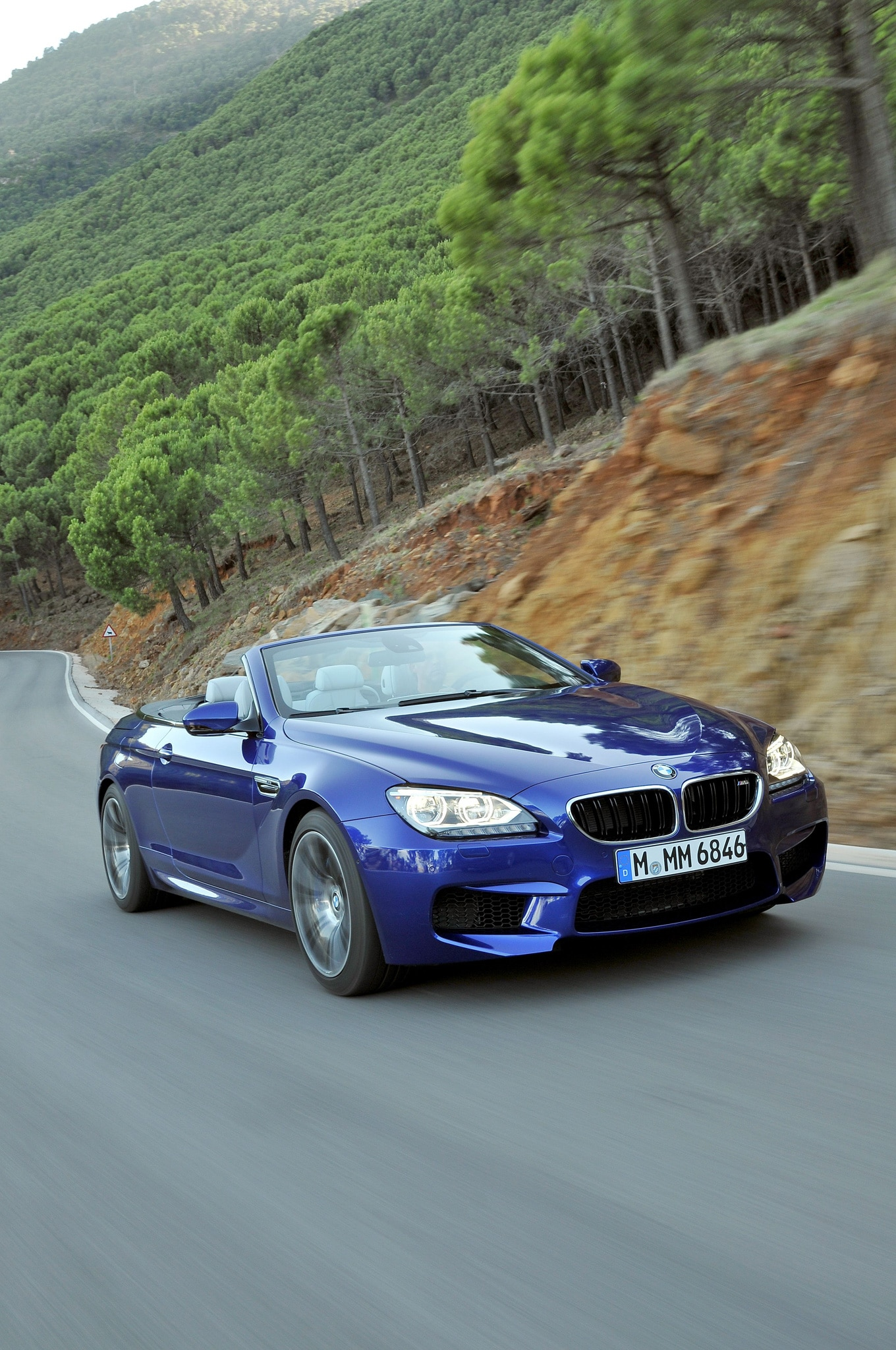 first drive 2013 bmw m6 coupe automobile magazine. Black Bedroom Furniture Sets. Home Design Ideas