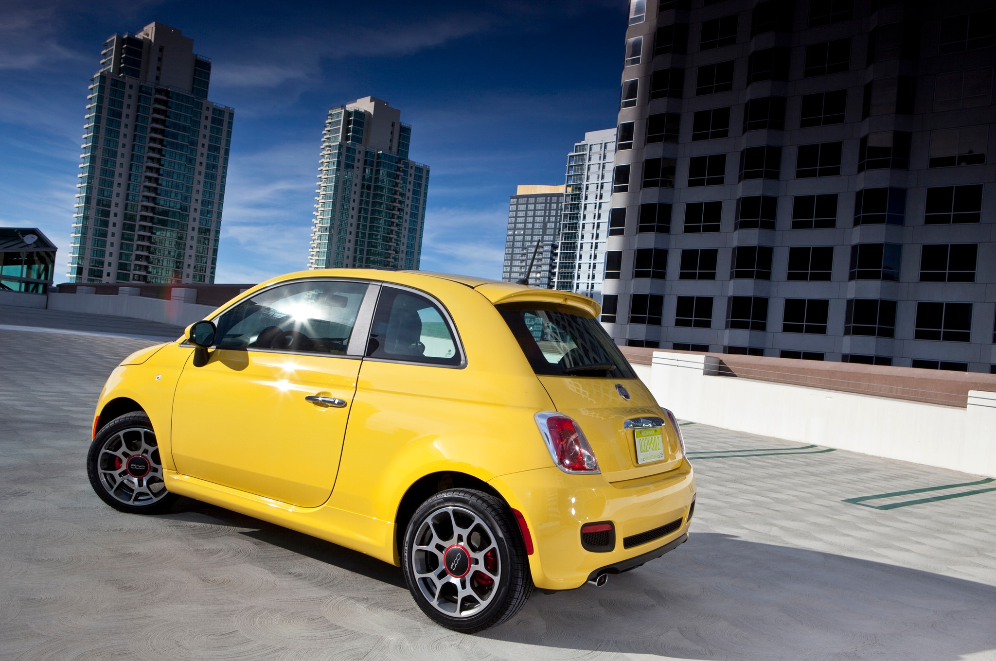 2013 fiat 500 cattiva ready to hit the streets. Black Bedroom Furniture Sets. Home Design Ideas