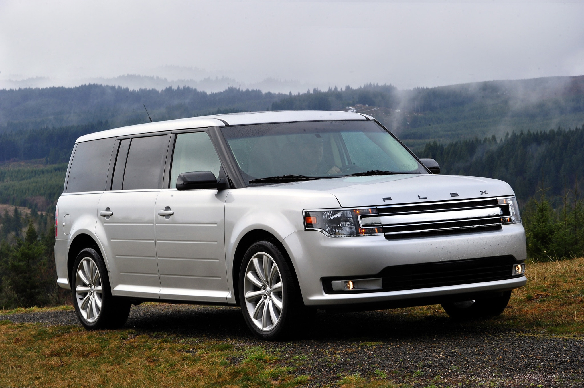 2013 ford flex sel editors 39 notebook automobile magazine. Black Bedroom Furniture Sets. Home Design Ideas