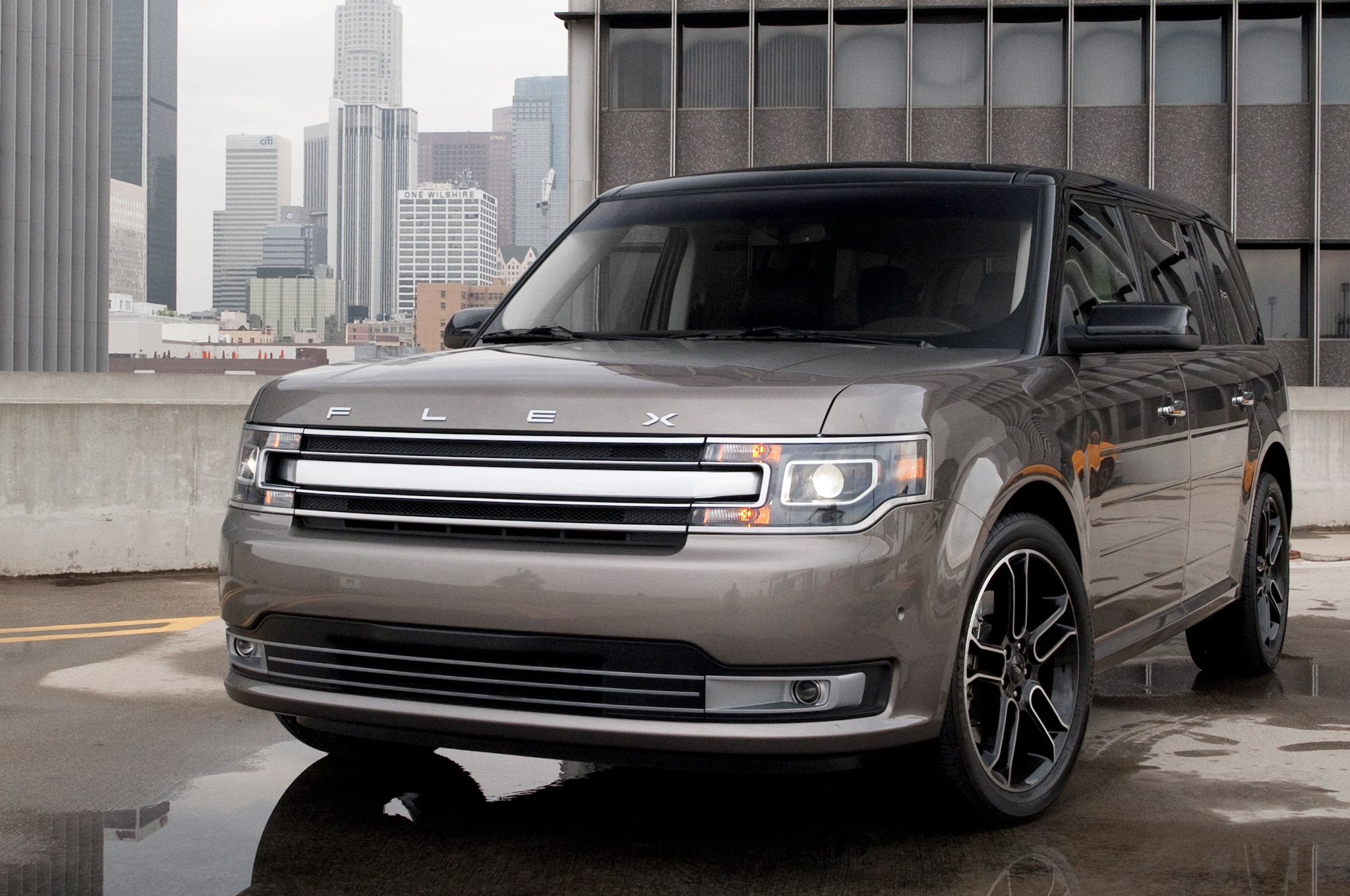 first drive 2013 ford flex automobile magazine. Black Bedroom Furniture Sets. Home Design Ideas
