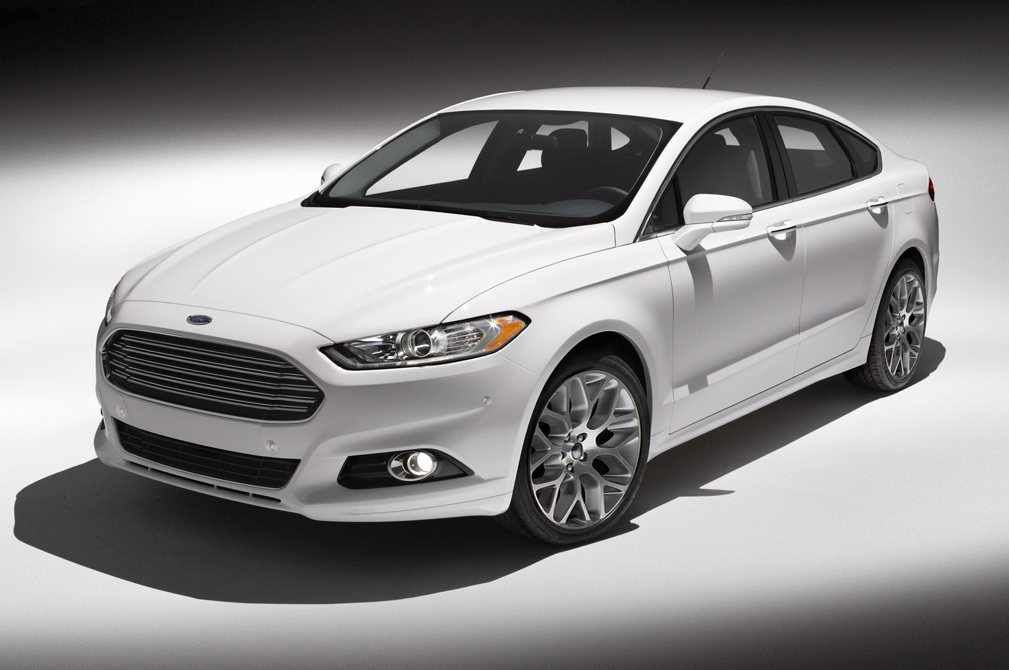 ford launches mondeo hatchback and wagon versions of fusion in europe. Black Bedroom Furniture Sets. Home Design Ideas
