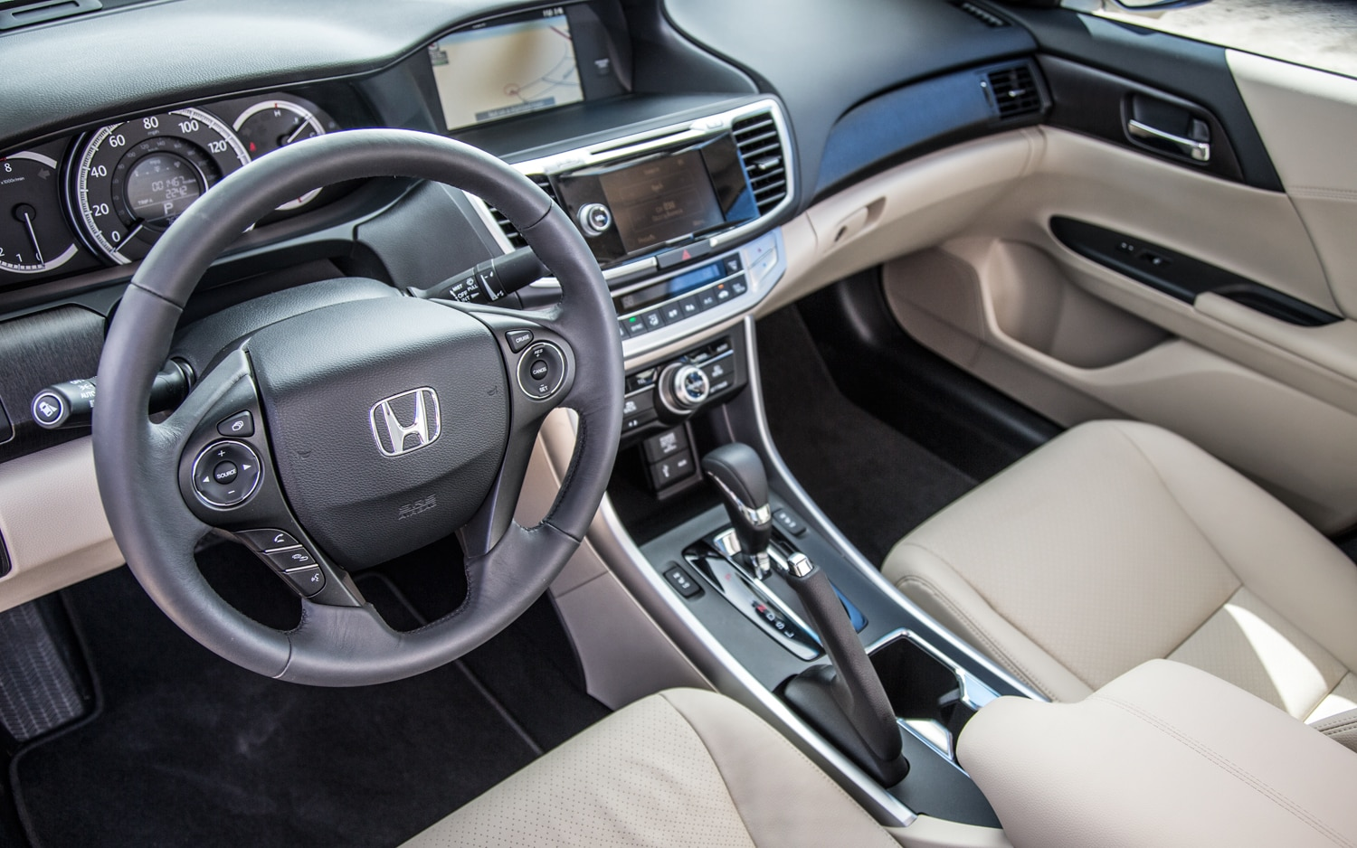 2013 honda accord touring editors 39 notebook automobile. Black Bedroom Furniture Sets. Home Design Ideas