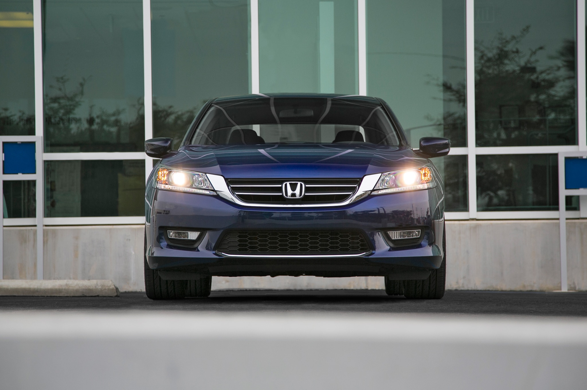 2013 honda accord touring editors 39 notebook automobile magazine. Black Bedroom Furniture Sets. Home Design Ideas