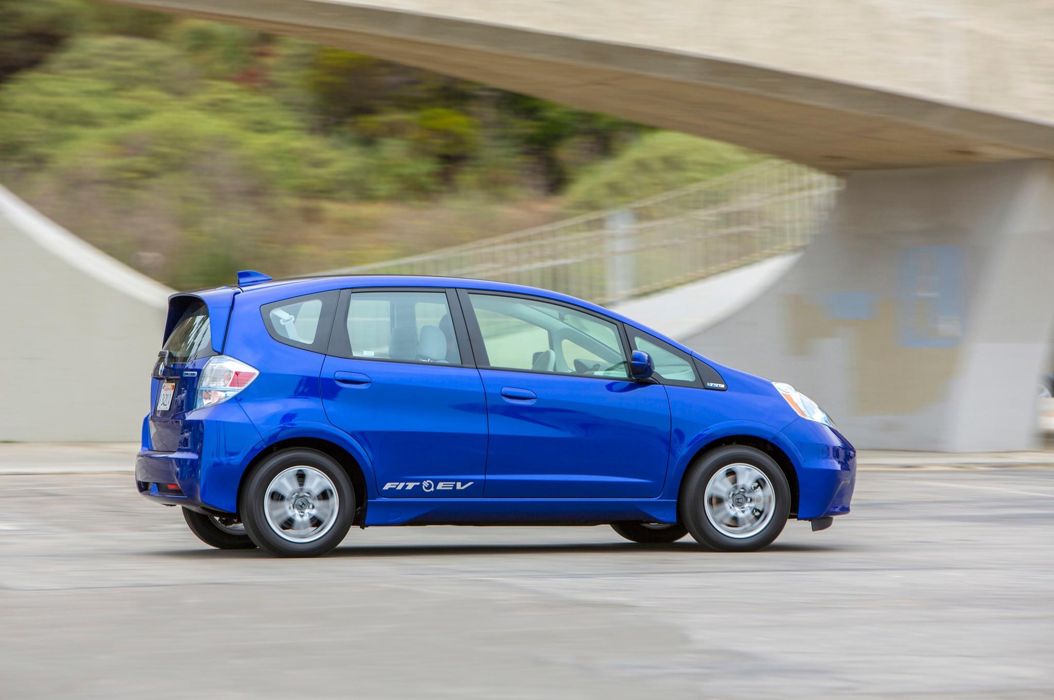 Honda fit ev lease price dropped free insurance added for Honda fit ev