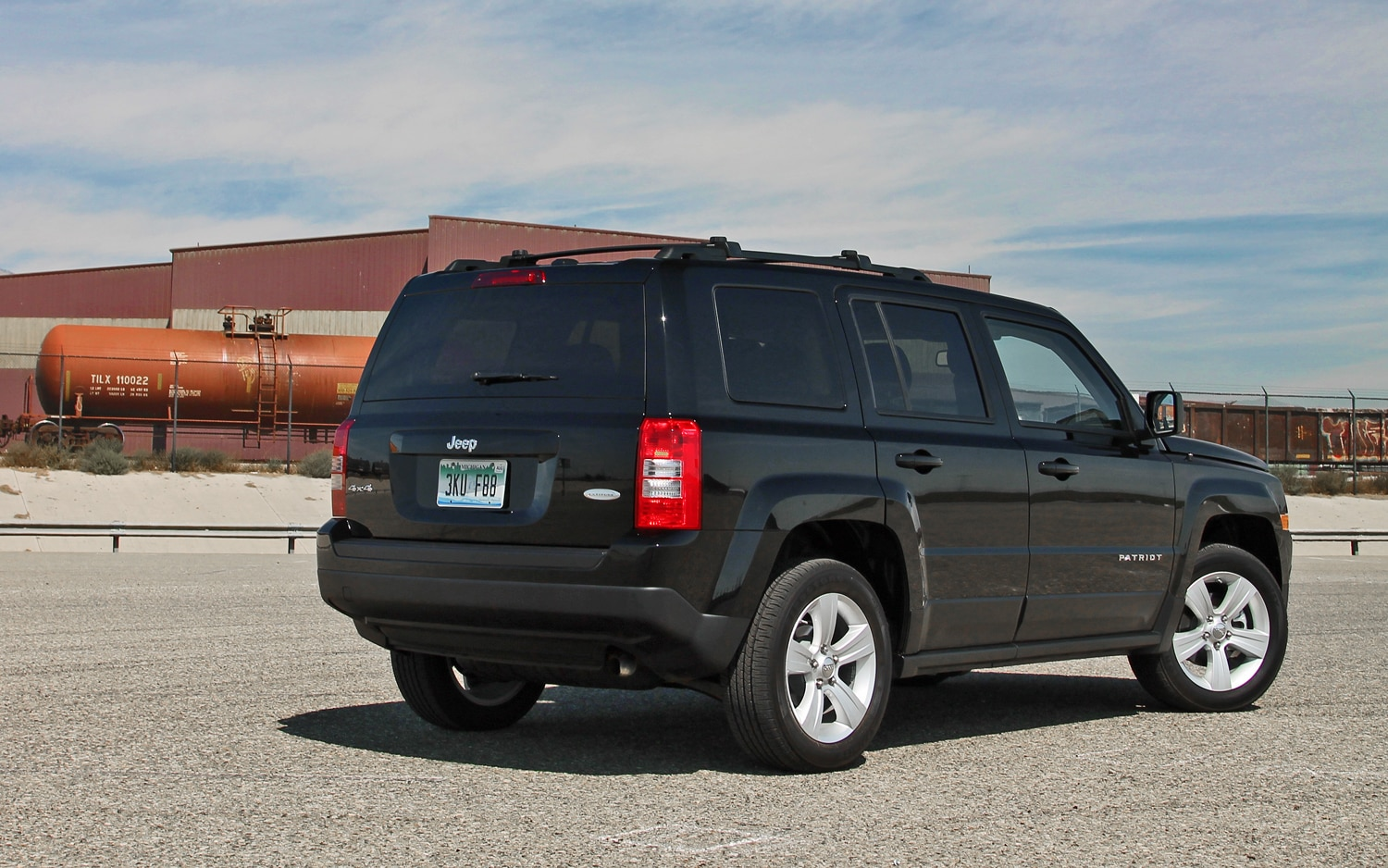 jeep honors veterans with 2013 patriot freedom edition
