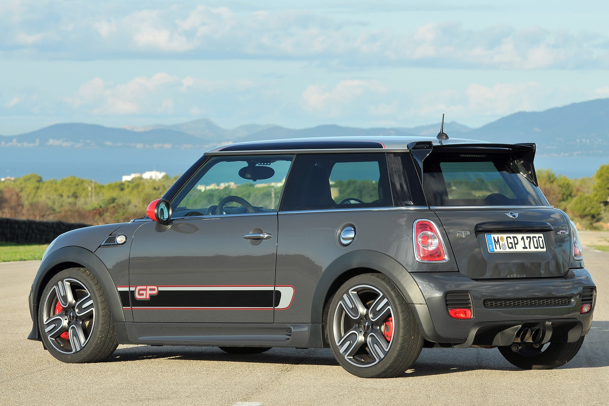 2013 mini john cooper works gp editors 39 notebook automobile magazine. Black Bedroom Furniture Sets. Home Design Ideas
