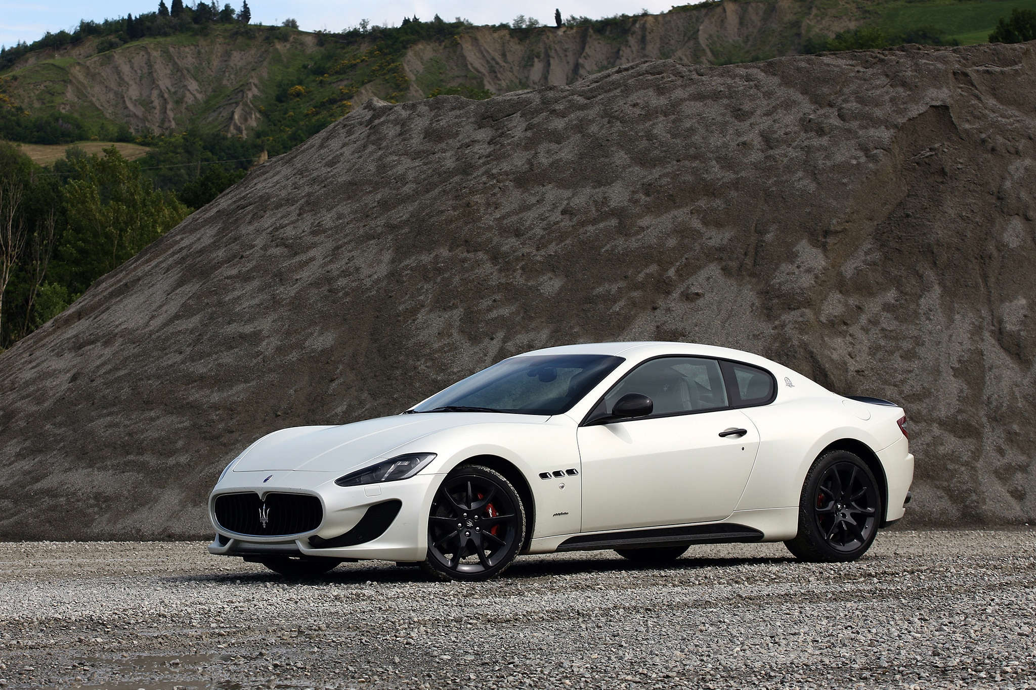driven 2013 maserati granturismo sport automobile magazine. Black Bedroom Furniture Sets. Home Design Ideas