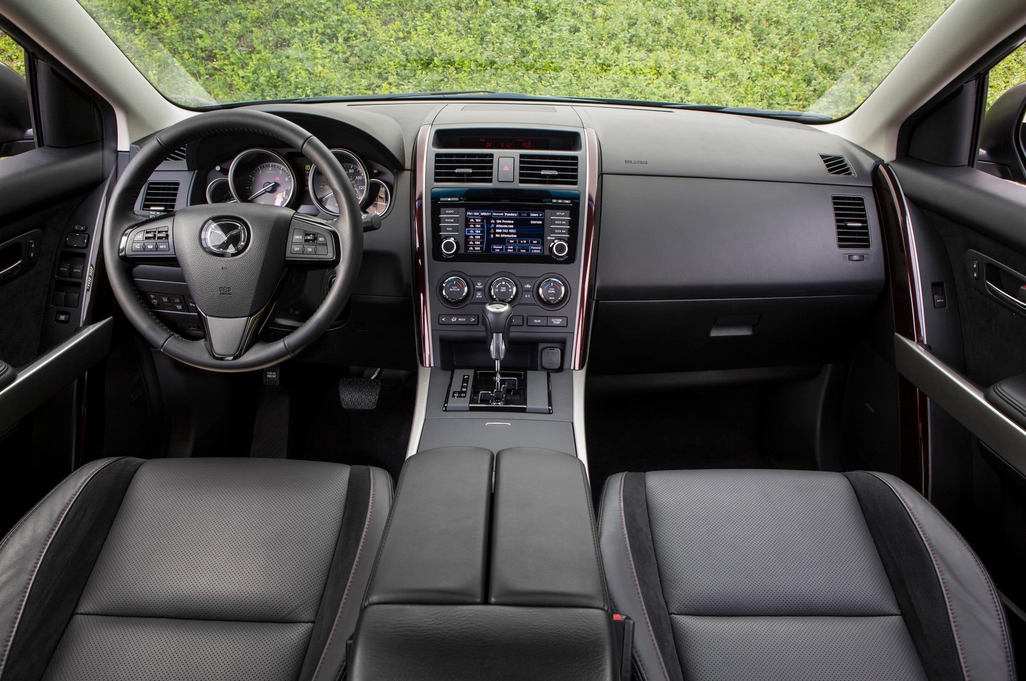 http://st.automobilemag.com/uploads/sites/10/2015/09/2013-Mazda-CX-9-Front-Interior.jpg