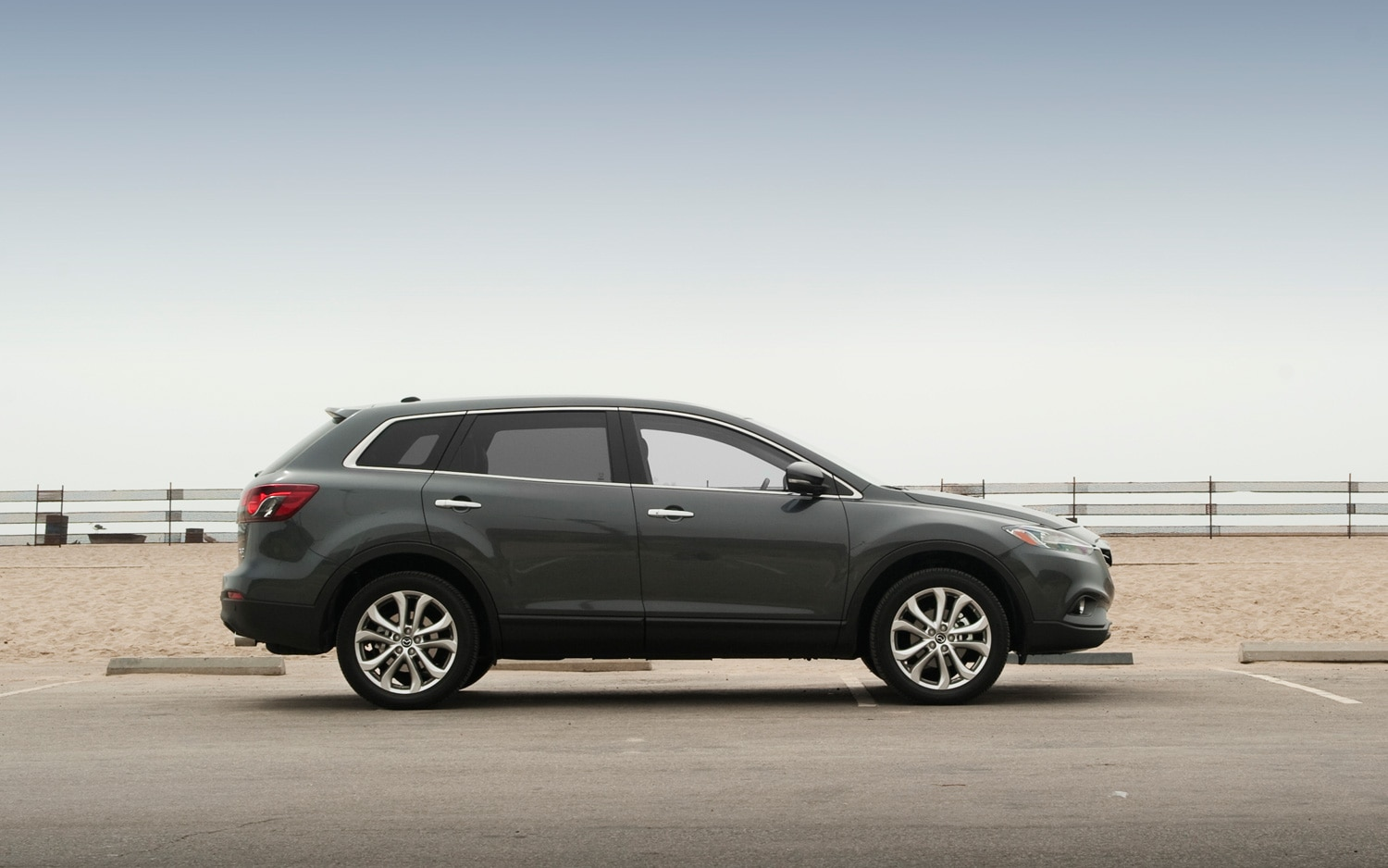 2013 mazda cx 9 grand touring editors 39 notebook automobile magazine. Black Bedroom Furniture Sets. Home Design Ideas