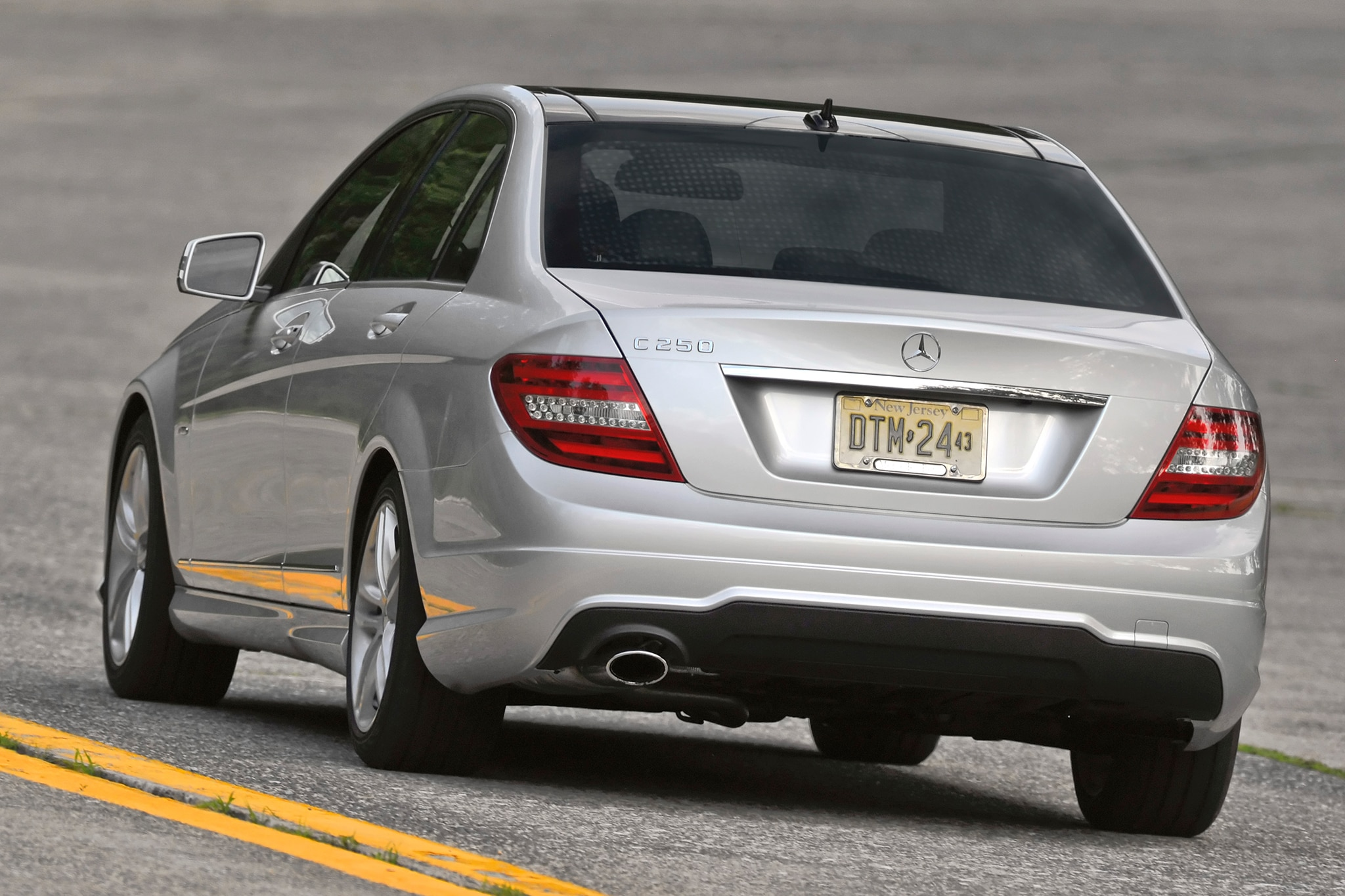 Mercedes benz reveals new 2013 c class sport package with for 2013 mercedes benz c class c250