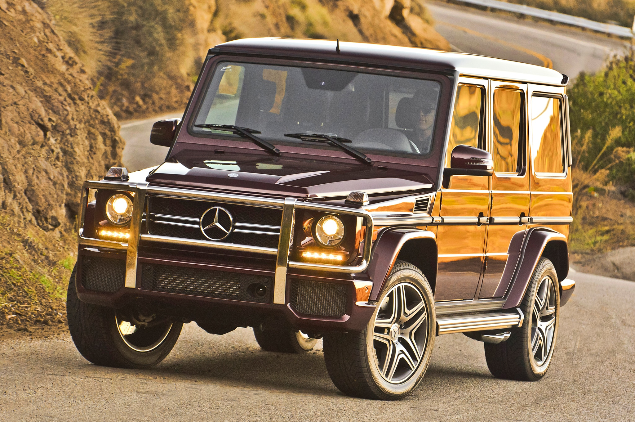 Mercedes benz builds g63 amg 6x6 for Mercedes benz g wagon g63