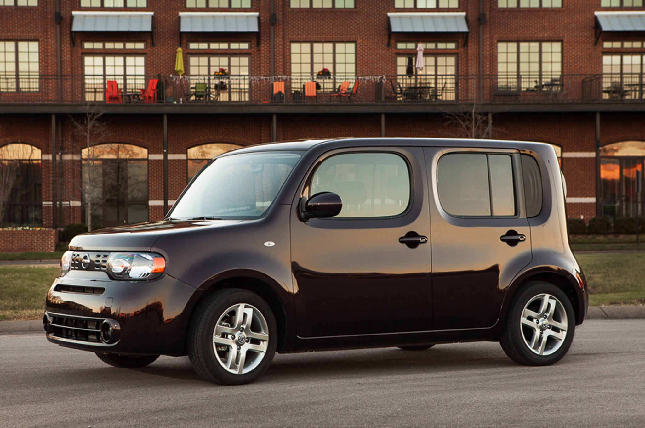 nissan cube electric vehicle fuel efficient cars. Black Bedroom Furniture Sets. Home Design Ideas