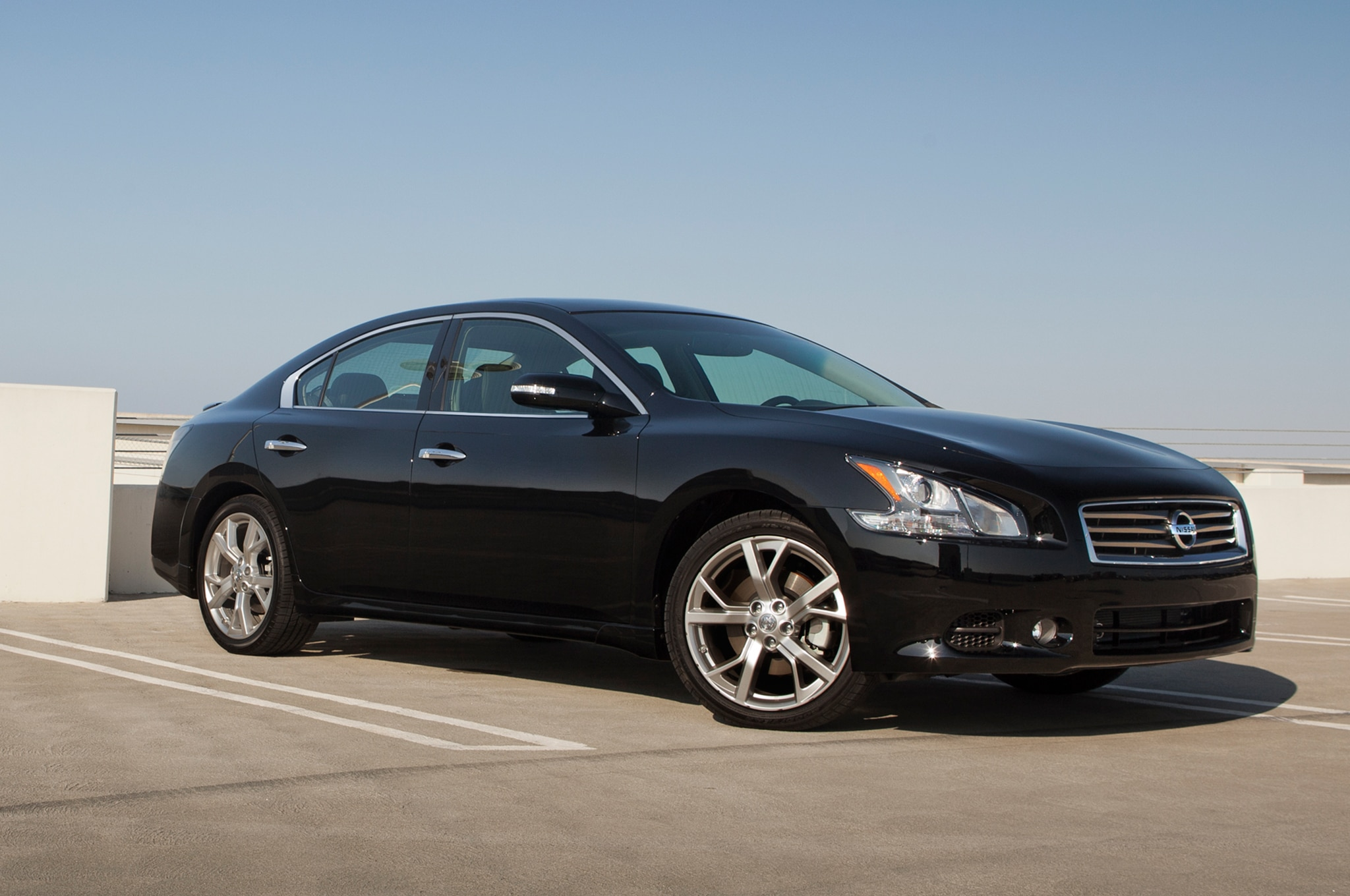 2014 nissan maxima priced at 31 810. Black Bedroom Furniture Sets. Home Design Ideas