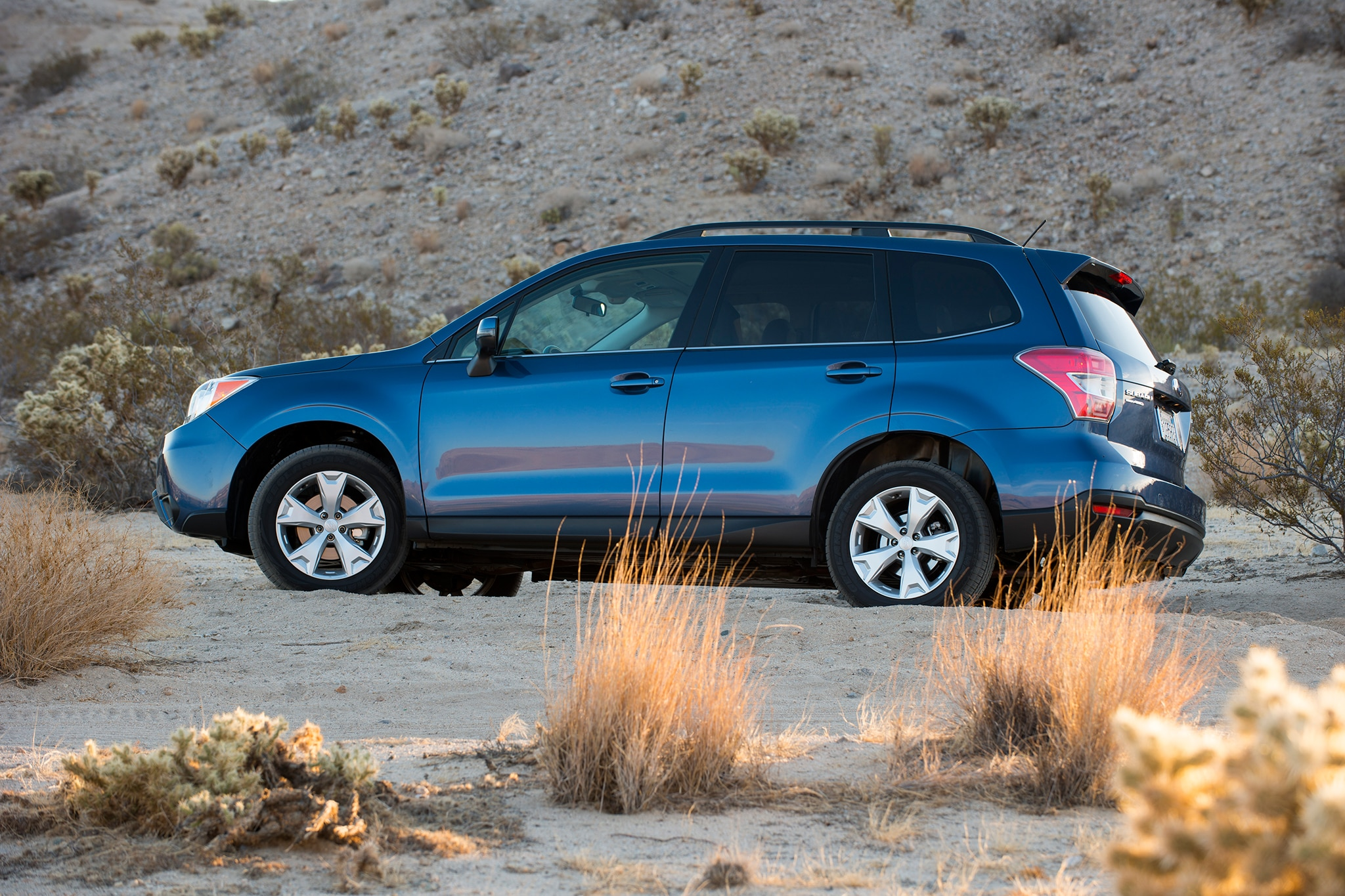 2014 subaru forester to debut at l a auto show. Black Bedroom Furniture Sets. Home Design Ideas