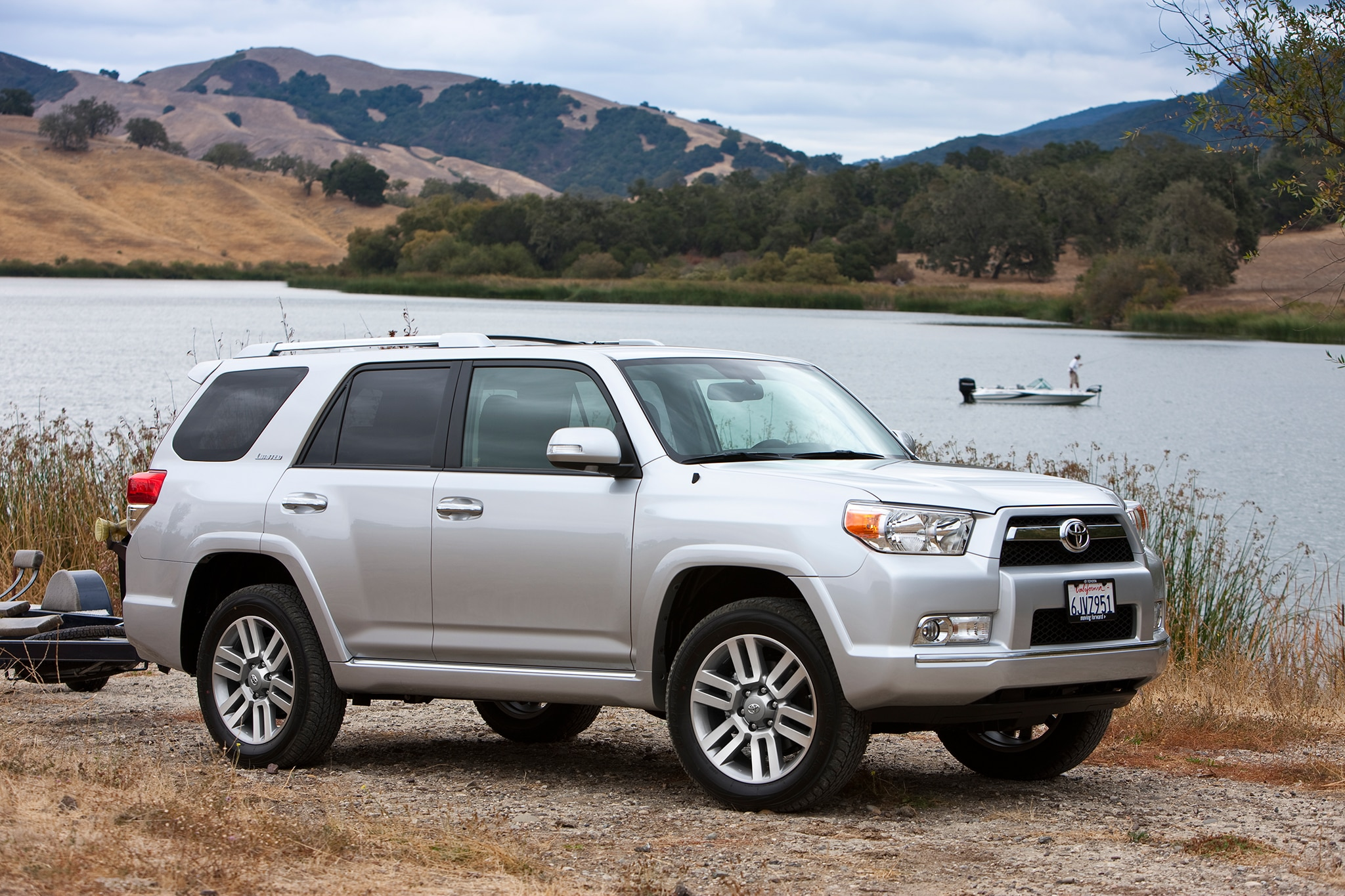 facelifted 2014 toyota 4runner revealed. Black Bedroom Furniture Sets. Home Design Ideas