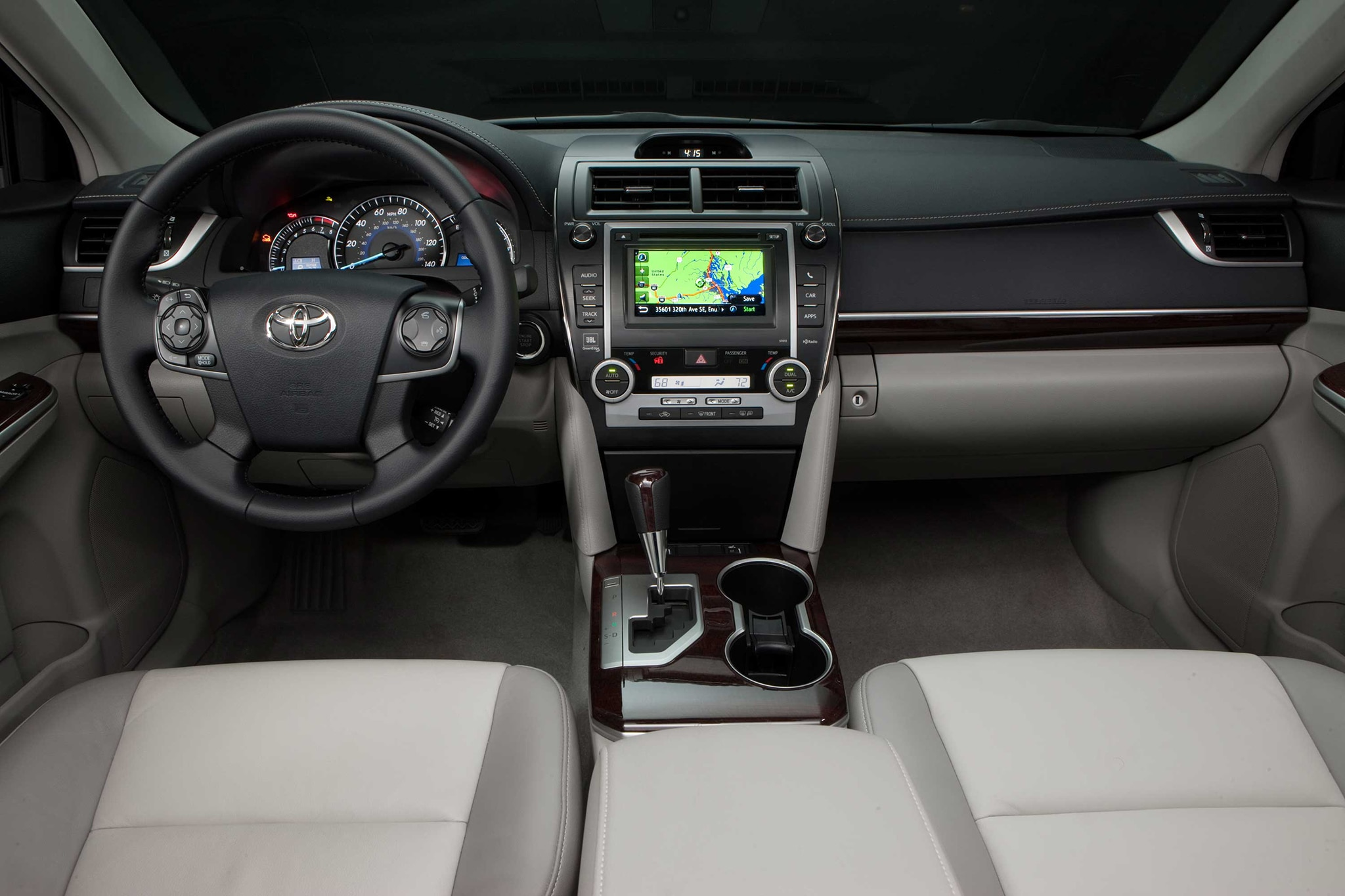 2013-Toyota-Camry-XLE-dash Extraordinary toyota Camry 2006 Vs Honda Accord 2006 Cars Trend