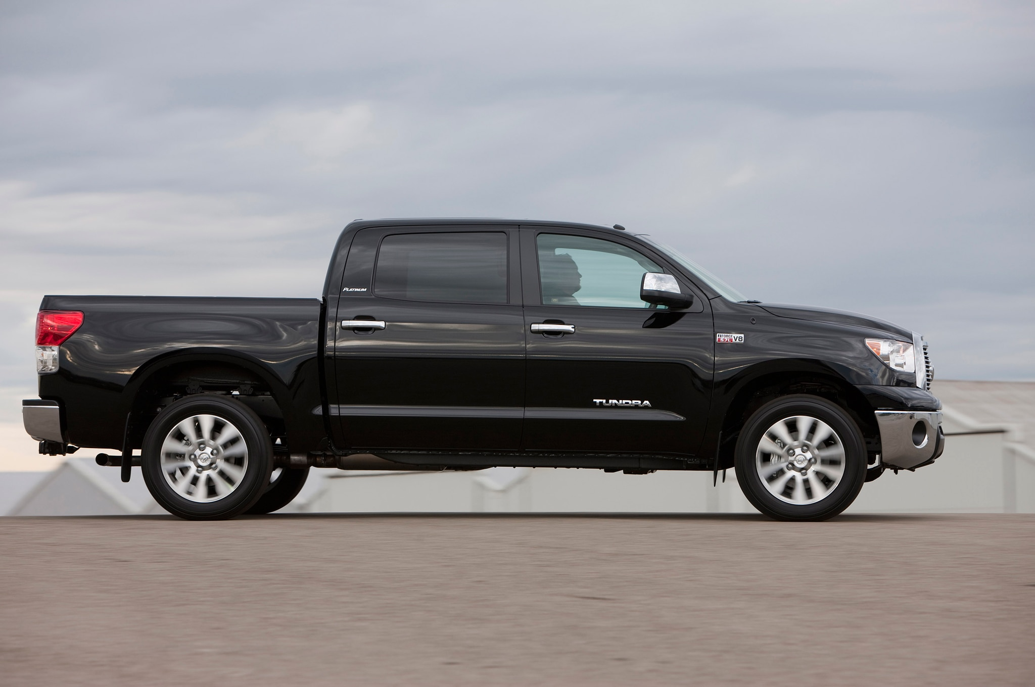 review limited crewmax reviews toyota tundra goodie oldie rating but