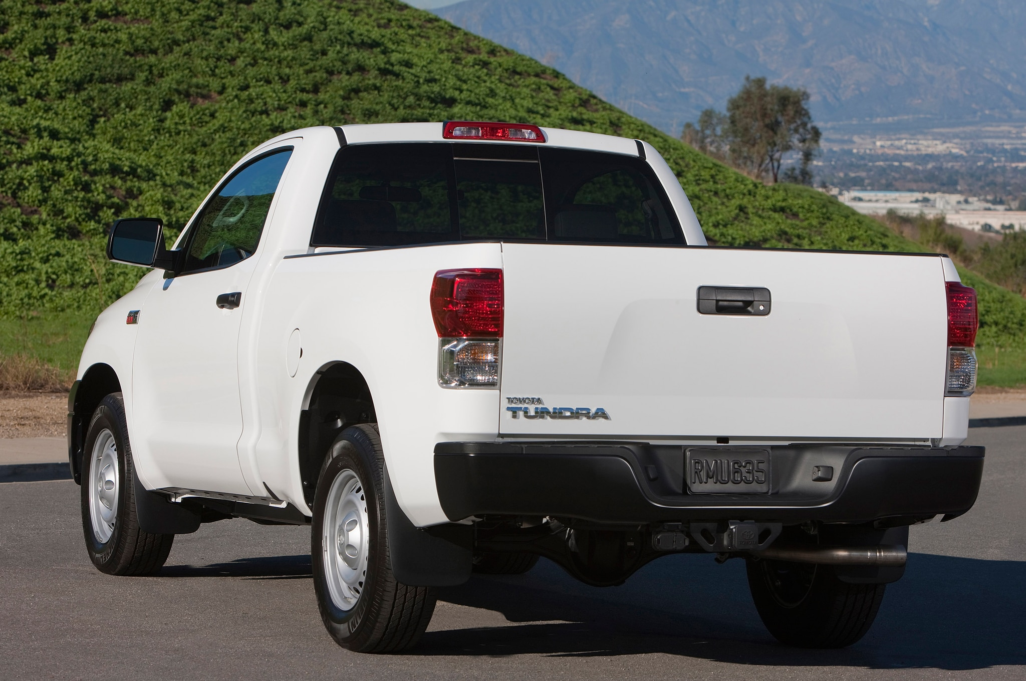 2013 Toyota Tundra Double Cab 4x4 Editors Notebook HD Wallpapers Download free images and photos [musssic.tk]