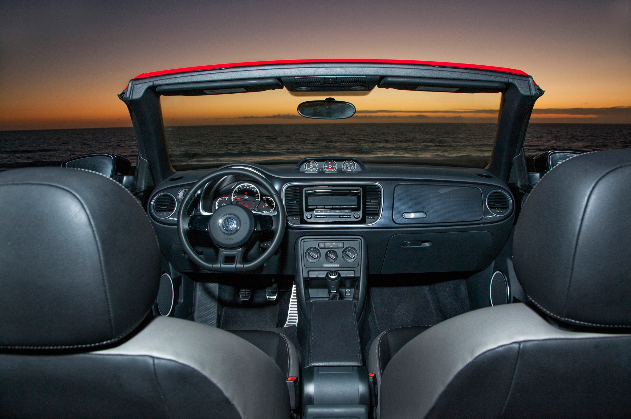 2013 volkswagen beetle gsr and r line convertible first look automobile magazine. Black Bedroom Furniture Sets. Home Design Ideas