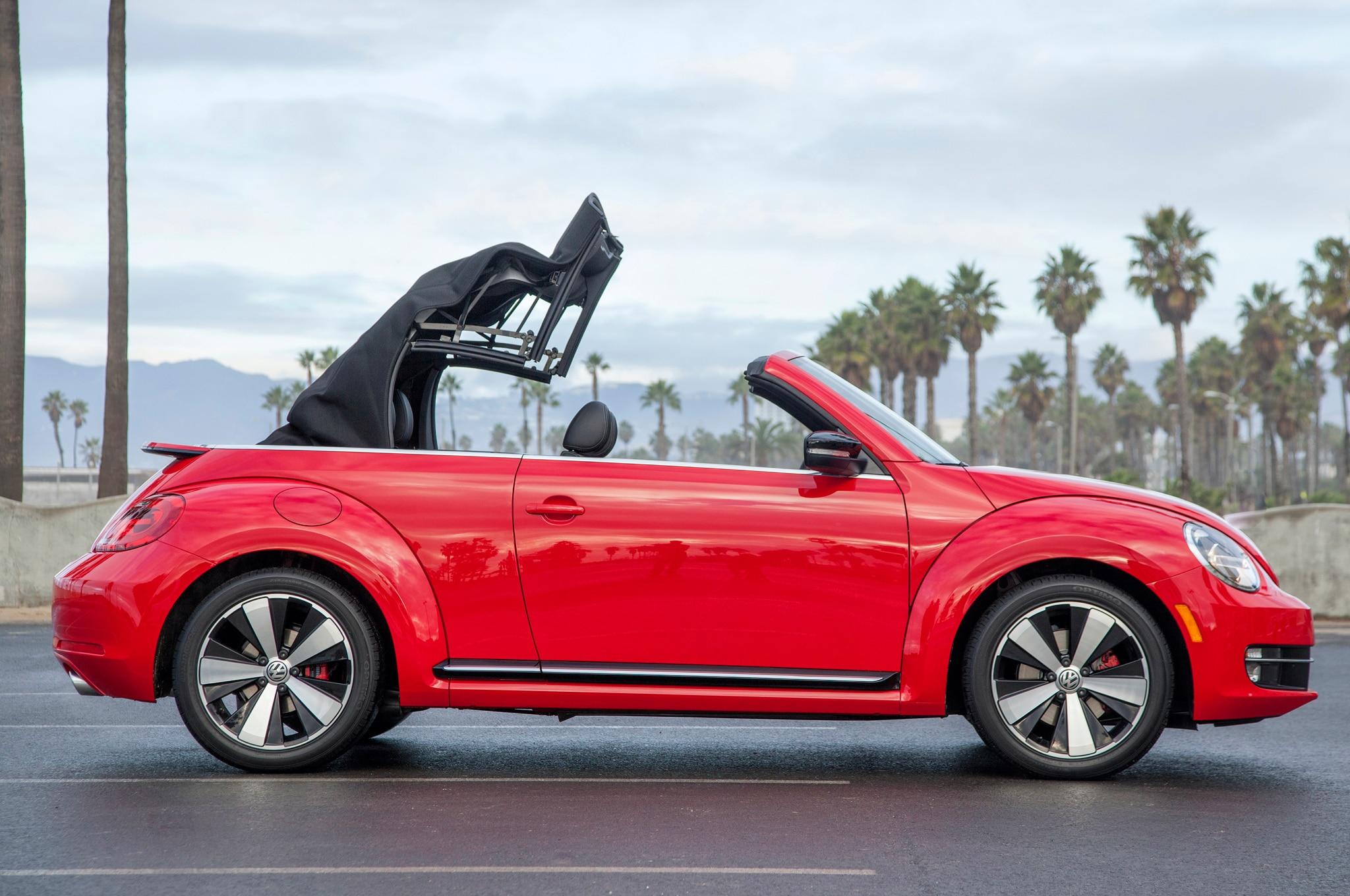 2013 volkswagen beetle gsr and r line convertible first. Black Bedroom Furniture Sets. Home Design Ideas