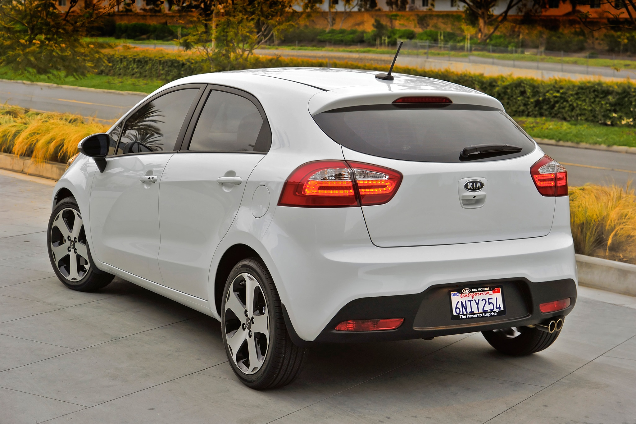 Kia building limited run of 2013 rio sx models with manual transmission 2013 kia rio5 582 fandeluxe Image collections